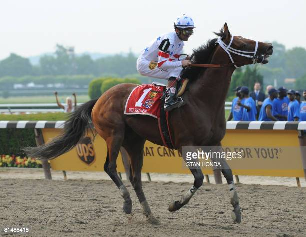 Big Brown with jockey Kent Desormeaux pulls up as he finishes last in the 2008 Belmont Stakes June 7 2008 at Belmont Park in Elmont New York AFP...