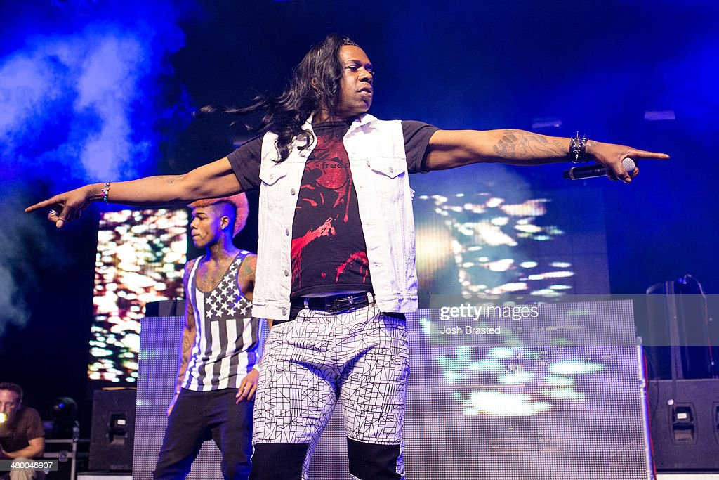 <a gi-track='captionPersonalityLinkClicked' href=/galleries/search?phrase=Big+Freedia&family=editorial&specificpeople=7263232 ng-click='$event.stopPropagation()'>Big Freedia</a> (C) performs onstage during the 2014 BUKU Music + Art Project at Mardi Gras World on March 21, 2014 in New Orleans, Louisiana.