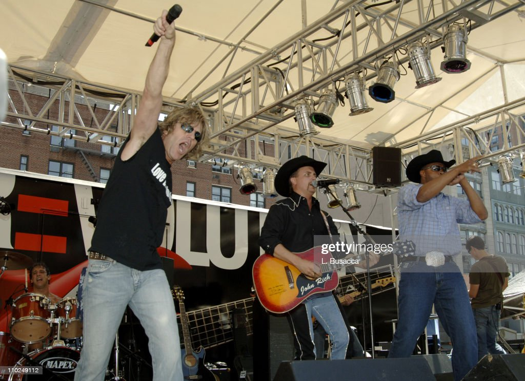 Big & Rich Perform at the Chevy Music Festival - September 7, 2005
