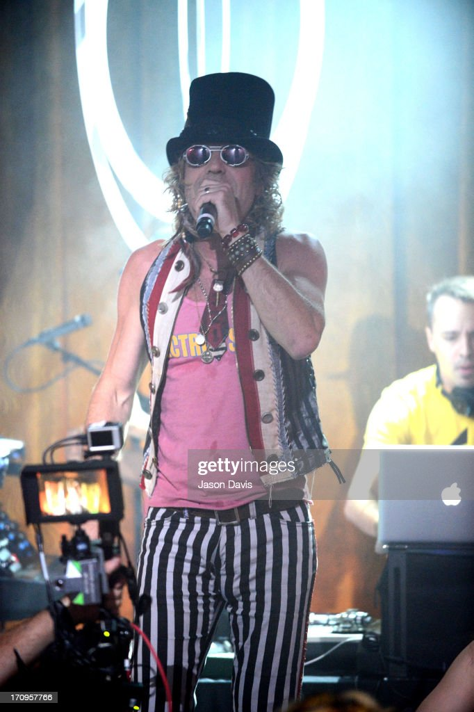 Big Kenny of Electro Shine performs during the MTV, VH1, CMT & LOGO 2013 O Music Awards on June 20, 2013 in Nashville, Tennessee.