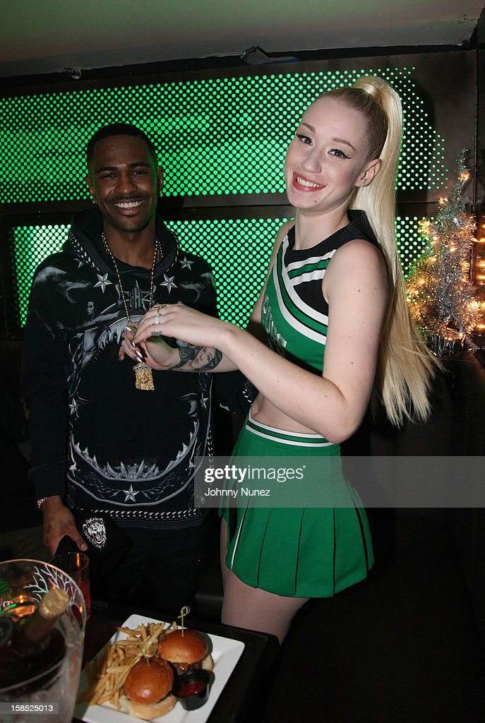 <a gi-track='captionPersonalityLinkClicked' href=/galleries/search?phrase=Big+Sean&family=editorial&specificpeople=4449582 ng-click='$event.stopPropagation()'>Big Sean</a> and <a gi-track='captionPersonalityLinkClicked' href=/galleries/search?phrase=Iggy+Azalea&family=editorial&specificpeople=8558263 ng-click='$event.stopPropagation()'>Iggy Azalea</a> backstage at Highline Ballroom on December 17, 2012 in New York City.