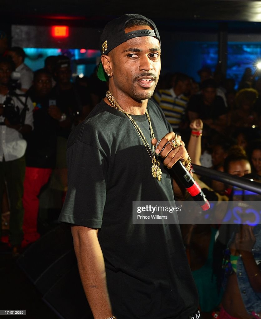 <a gi-track='captionPersonalityLinkClicked' href=/galleries/search?phrase=Big+Sean&family=editorial&specificpeople=4449582 ng-click='$event.stopPropagation()'>Big Sean</a> performs at Coors Light 'Search For The Coldest' MC With Special Guest <a gi-track='captionPersonalityLinkClicked' href=/galleries/search?phrase=Big+Sean&family=editorial&specificpeople=4449582 ng-click='$event.stopPropagation()'>Big Sean</a> at Prive on July 18, 2013 in Atlanta, Georgia.