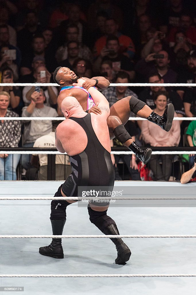 Big Show competes in the ring against the New Day at the Road to WrestleMania at the Lanxess Arena on February 11, 2016 in Cologne, Germany.
