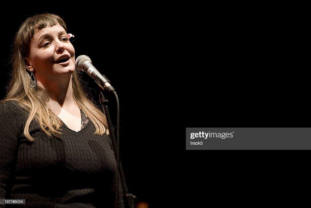 bigband: singer In the spotlight