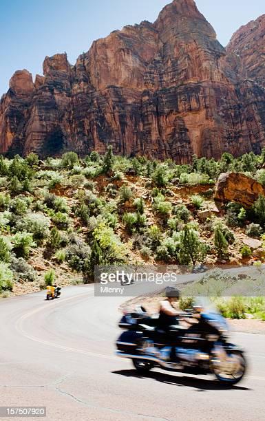 Biker équitation dans le parc National de Zion
