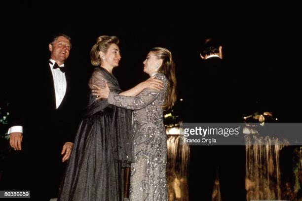 Bill Clinton Hillary Clinton Veronica Lario and Silvio Berlusconi pose at the 'Regia of Caserta' during a party for the G7 meeting in Naples on July...