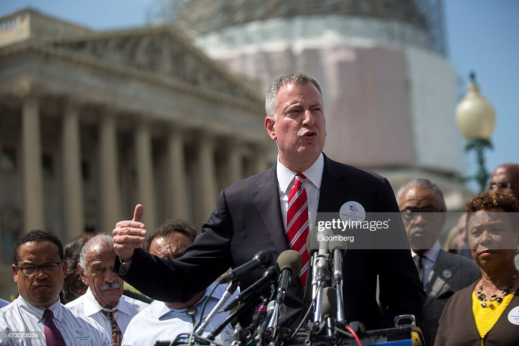 Bill de Blasio, mayor of New York, speaks at a news conference surrounded by public officials and labor leaders outside of the U.S. Capitol building in Washington, D.C., U.S., on Tuesday, May 12, 2015. De Blasio unveiled 'The Progressive Agenda to Combat Income Inequality at the news conference.' Photographer: Andrew Harrer/Bloomberg via Getty Images