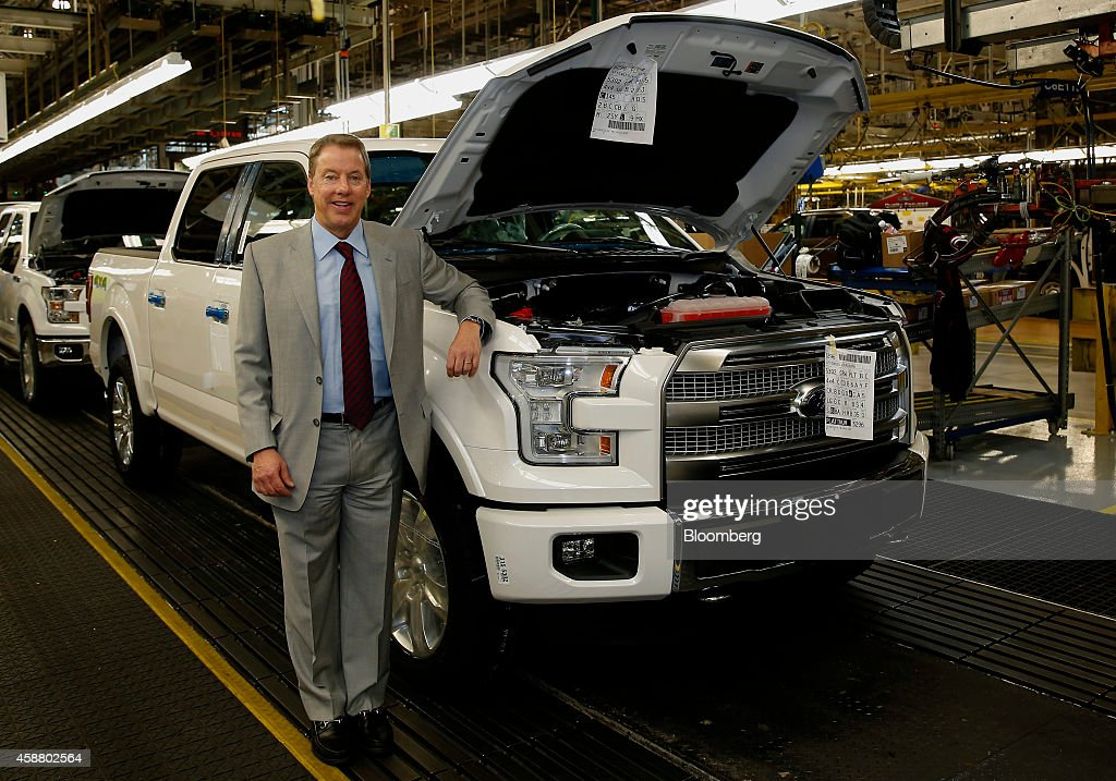 Ford motor co rolls out aluminum bodied f 150 in factory for Ford motor company executives