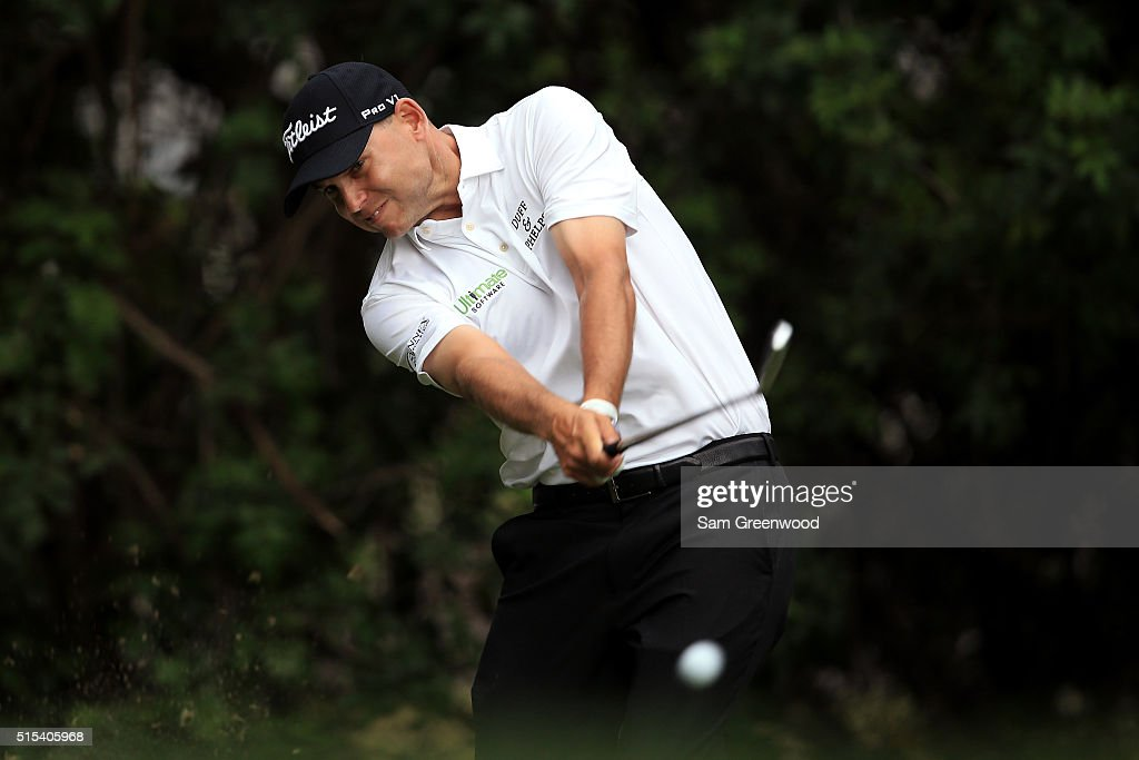 <a gi-track='captionPersonalityLinkClicked' href=/galleries/search?phrase=Bill+Haas&family=editorial&specificpeople=646978 ng-click='$event.stopPropagation()'>Bill Haas</a> hits off the third tee during the final round of the Valspar Championship at Innisbrook Resort Copperhead Course on March 13, 2016 in Palm Harbor, Florida.