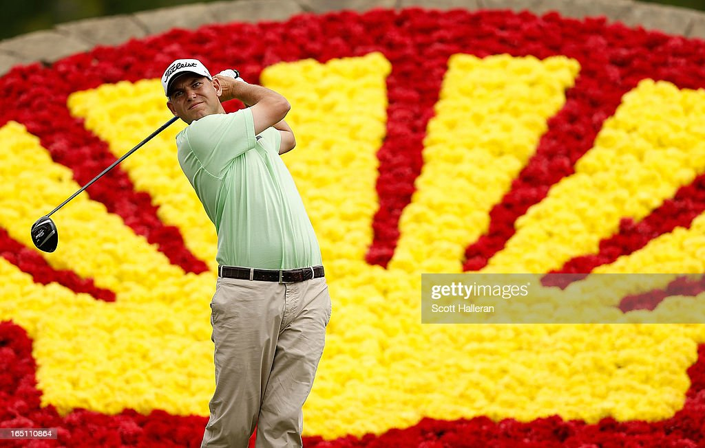 <a gi-track='captionPersonalityLinkClicked' href=/galleries/search?phrase=Bill+Haas&family=editorial&specificpeople=646978 ng-click='$event.stopPropagation()'>Bill Haas</a> watches his tee shot on the 18th hole during the third round of the Shell Houston Open at the Redstone Golf Club on March 30, 2013 in Humble, Texas.