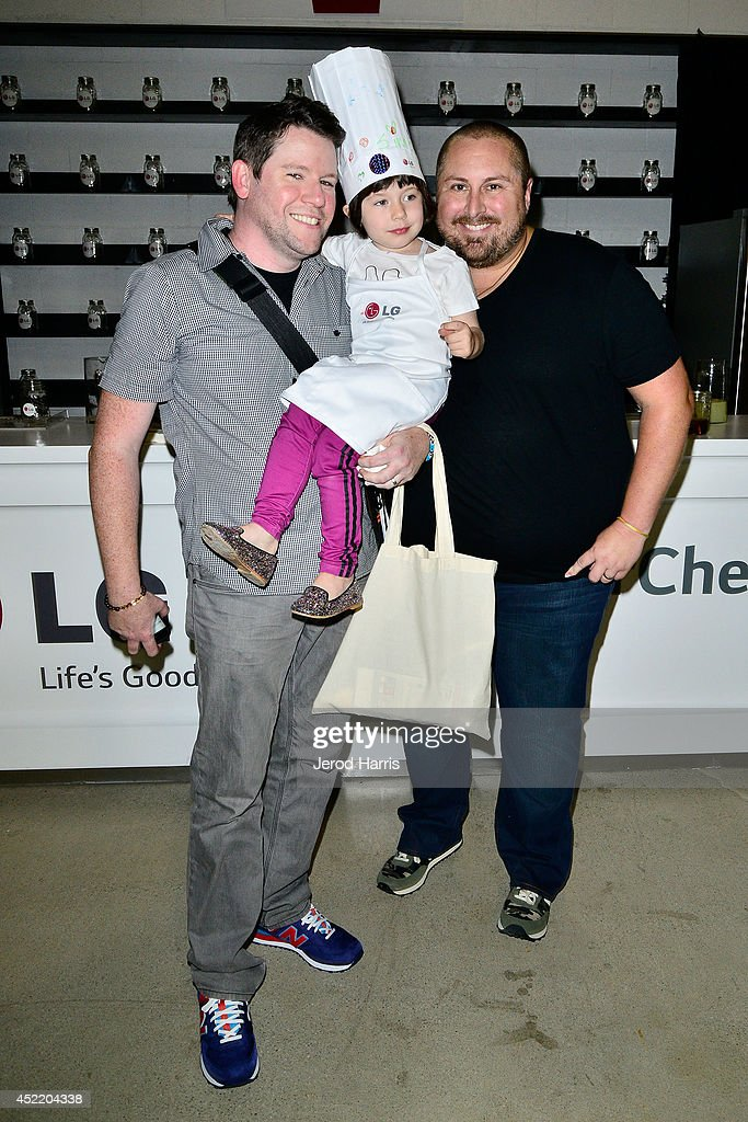 Bill Horn, Simone Masterson-Horn and Scout Masterson attend LG and Chef Sandra Lee Host LG Junior Chef Academy to celebrate the launch of the Door-in-Door Refrigerator with CustomChill, Benefiting No Kid Hungry at The Washbow on July 15, 2014 in Culver City, California.