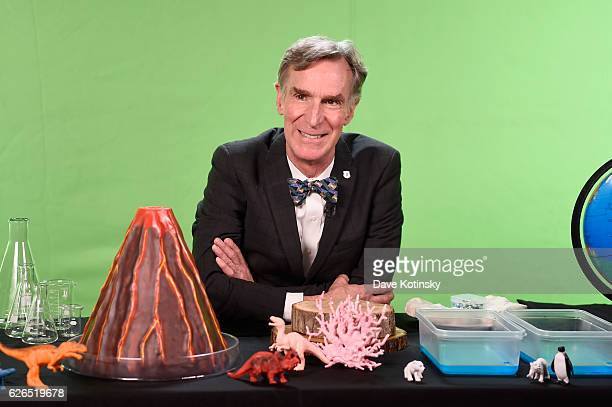 Bill Nye hosts National Park Foundation 'ViewAThon' at Mashable on November 29 2016 in New York City