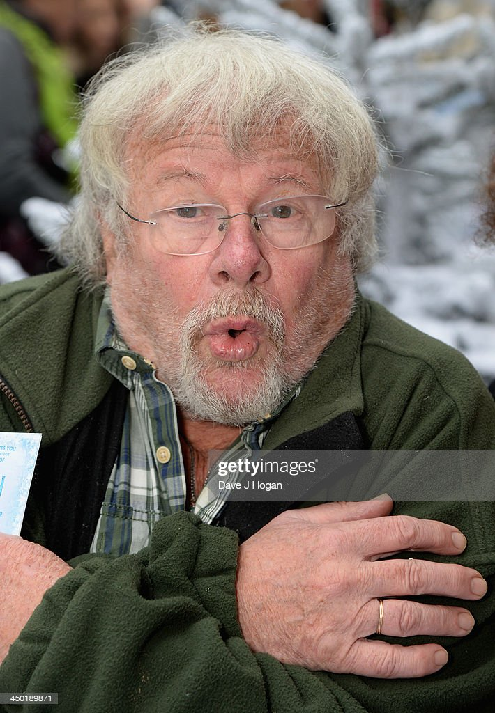 <a gi-track='captionPersonalityLinkClicked' href=/galleries/search?phrase=Bill+Oddie&family=editorial&specificpeople=1619763 ng-click='$event.stopPropagation()'>Bill Oddie</a> attends Disney's 'Frozen' celebrity screening at the Odeon Leicester Square on November 17, 2013 in London, England.