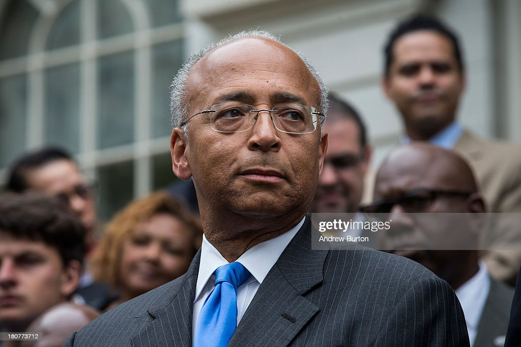 Bill Thompson (L), New York City mayoral hopeful and former New York City comptroller, concedes the Democratic party candidate position to Bill De Blasio (not seen), during a speech outside New York City Hall on September 16, 2013 in New York City. Thompson and De Blasio both hoped to win the democratic cadidate position for New York City. While De Blasio had a majority lead in the primary vote with approximately 40% of the votes, Thompson had hoped that he could force a run off between the two.
