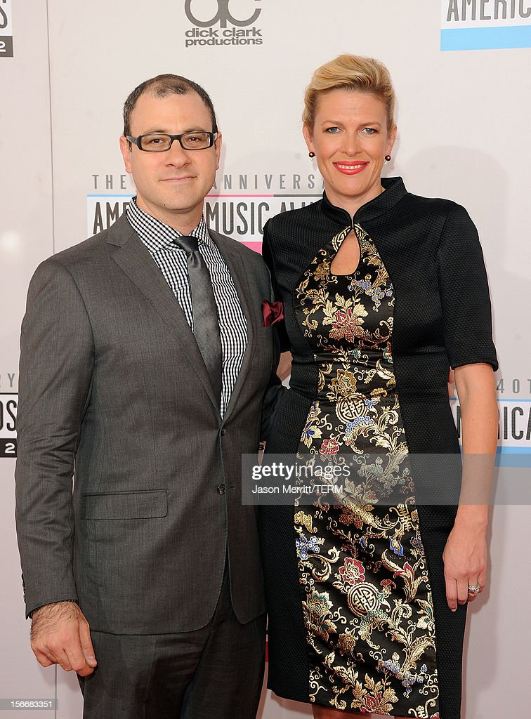 Billboard Editorial Director Bill Werde (L) and guest attend the 40th American Music Awards held at Nokia Theatre L.A. Live on November 18, 2012 in Los Angeles, California.