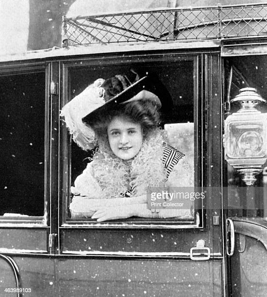 Billie Burke American actress 19081909 Mary William Ethelbert Appleton Burke was an Oscarnominated American actress primarily known to modern...