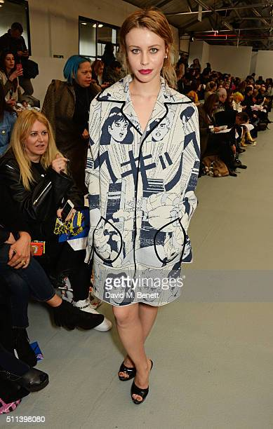 Billie JD Porter attends the SIBLING show during London Fashion Week Autumn/Winter 2016/17 at Brewer Street Car Park on February 20 2016 in London...