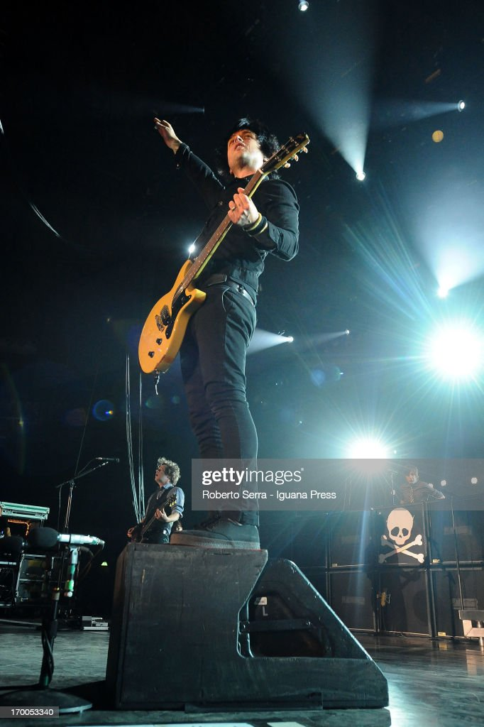 Billie Joe Armstrong of Green Day performs in concert at Unipol Arena on June 6, 2013 in Bologna, Italy.