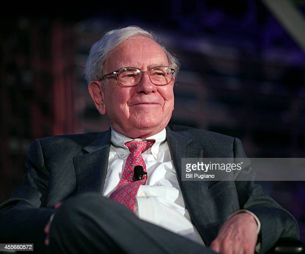 Billionaire investor Warren Buffett speaks at a 'Detroit Homecoming' event September 18 2014 in Detroit Michigan The purpose of the invitationonly...