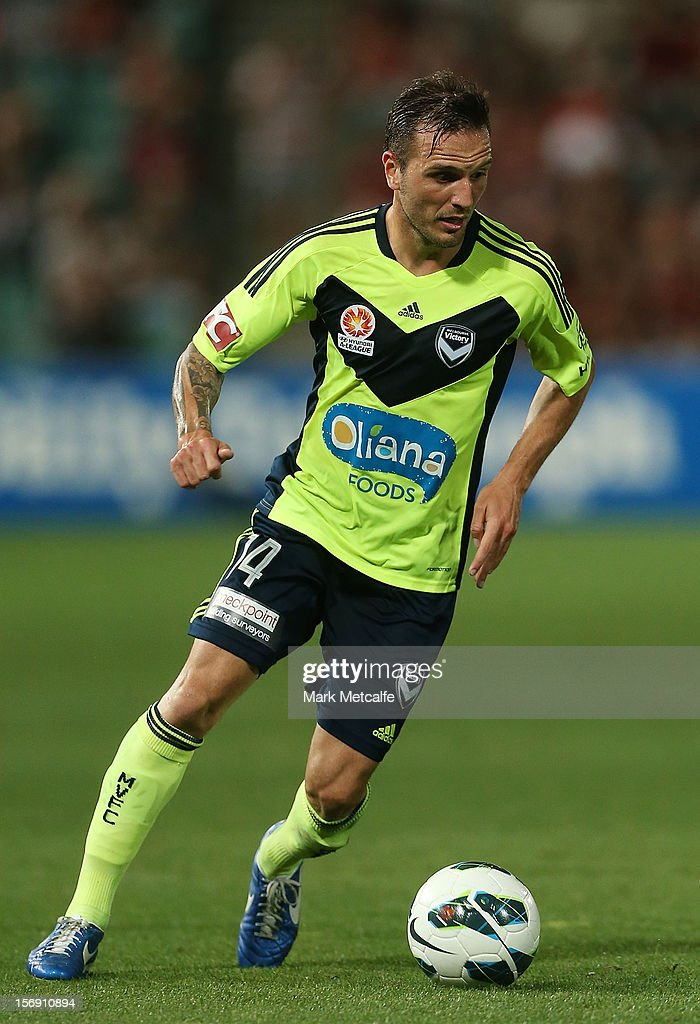 Billy Celeski of the Victory in action during the round eight A-League match between the Western Sydney Wanderers and the Melbourne Victory at Parramatta Stadium on November 24, 2012 in Sydney, Australia.