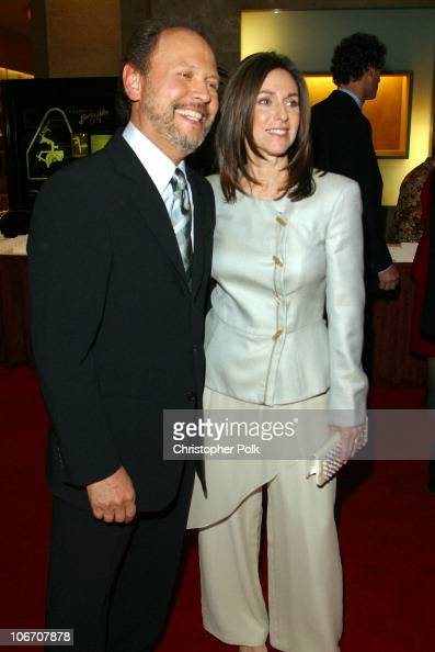 Billy Crystal and Janice Crystal during Simon Wiesenthal Center Museum of tolerance 2003 Tribute Dinner honoring Billy and Janise Crystal at Beverly...