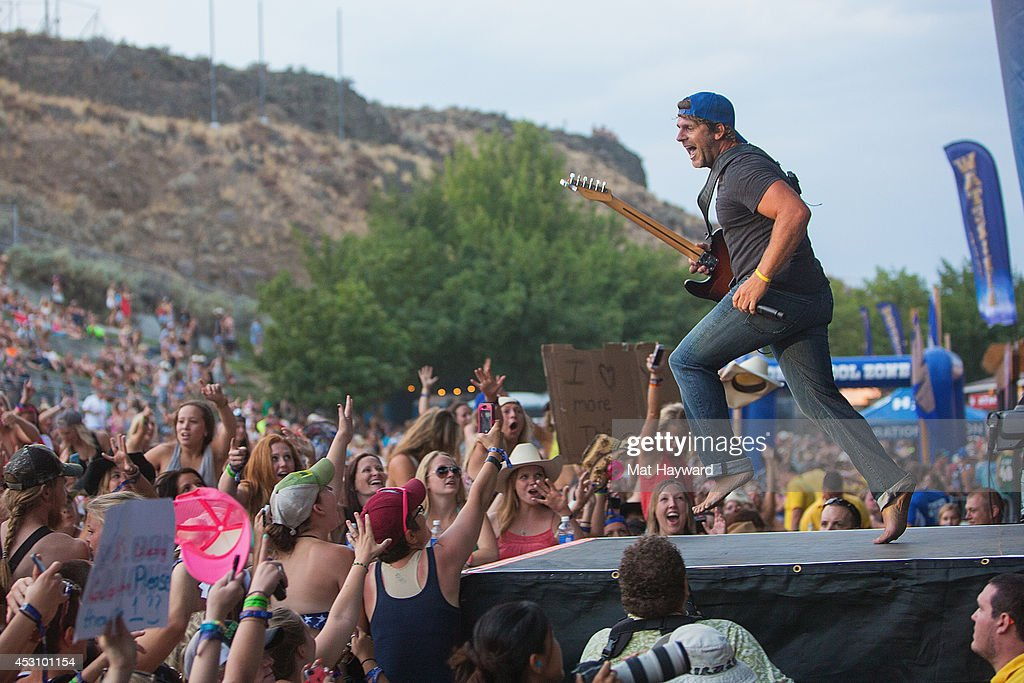 Billy Currington performs on stage during the Watershed Music Festival at The Gorge on August 2, 2014 in George, Washington.
