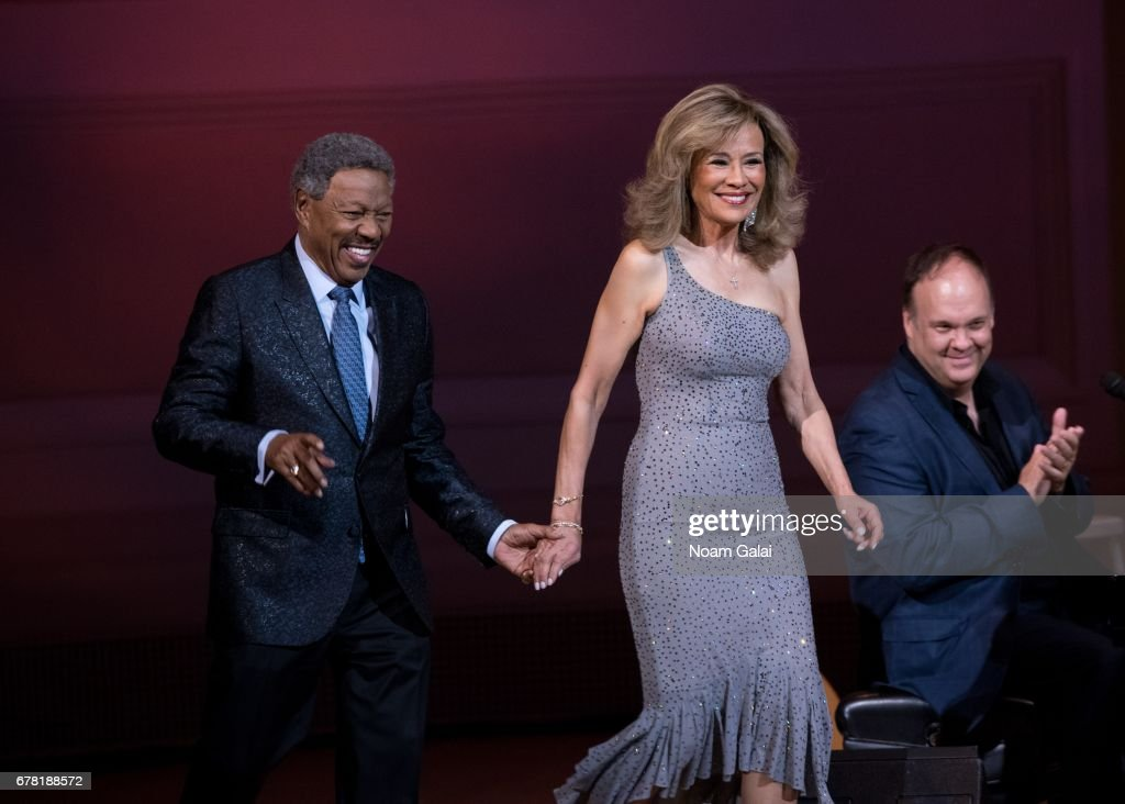 Billy Davis Jr. and Marilyn McCoo of The 5th Dimension perform during a tribute concert honoring Jimmy Webb at Carnegie Hall on May 3, 2017 in New York City.