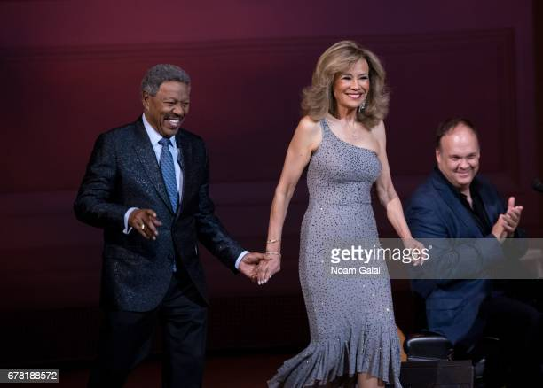 Billy Davis Jr and Marilyn McCoo of The 5th Dimension perform during a tribute concert honoring Jimmy Webb at Carnegie Hall on May 3 2017 in New York...