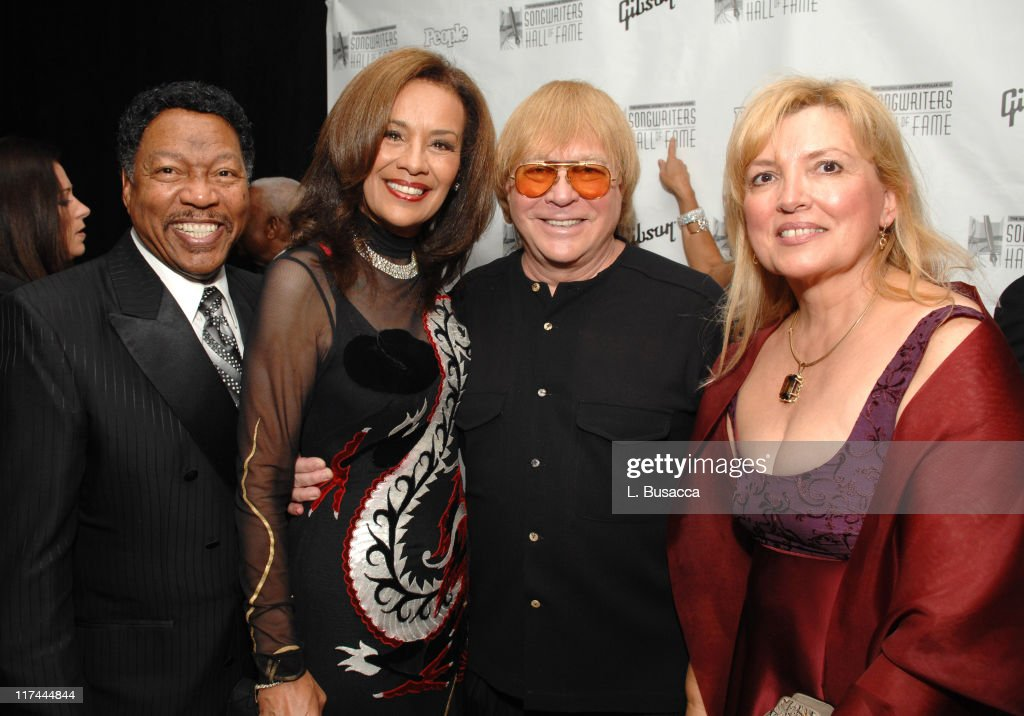 38th Annual Songwriters Hall of Fame Ceremony - Cocktails and Backstage