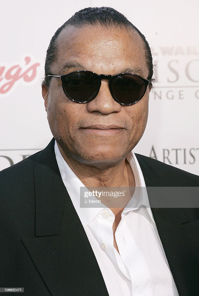 Billy Dee Williams during 'Star Wars Episode III Revenge of The Sith' Premiere to Benefit Artists for a New South Africa Charity Arrivals at Mann...