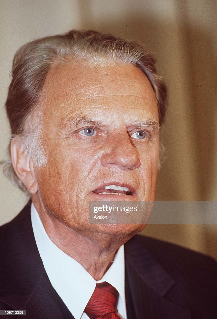 <a gi-track='captionPersonalityLinkClicked' href=/galleries/search?phrase=Billy+Graham+-+Evangelist&family=editorial&specificpeople=167098 ng-click='$event.stopPropagation()'>Billy Graham</a>, American Evangelist.