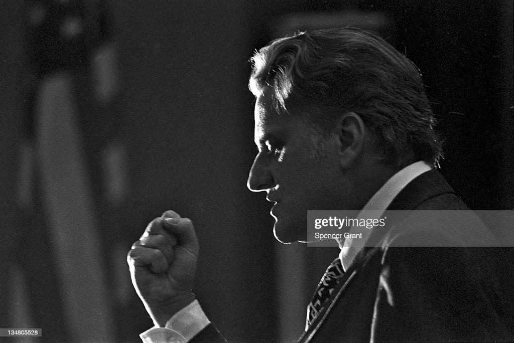 Billy Graham makes a speech Plymouth Massachusetts 1970