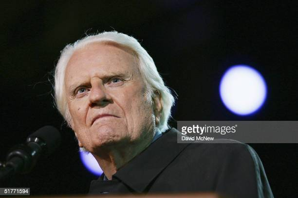 Billy Graham preaches on the third night of the Greater Los Angeles Billy Graham Crusade on November 20 2004 in Pasadena California Tonight's service...
