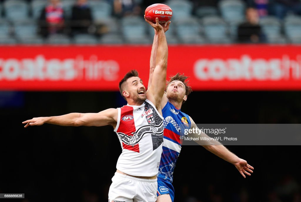 Billy Longer of the Saints and Jordan Roughead of the Bulldogs compete in a ruck contest during the 2017 AFL round 10 match between the Western Bulldogs and the St Kilda Saints at Etihad Stadium on May 27, 2017 in Melbourne, Australia.
