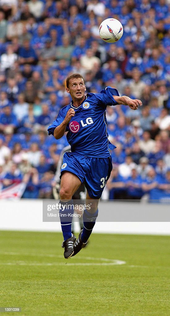 Billy McKinlay of Leicester City in action against Watford during the Nationwide League Division One match between Leicester City and Watford at the Walkers Stadium in Leicester on August 10, 2002. (Photo by Mike Finn-Kelcey/Getty Images).