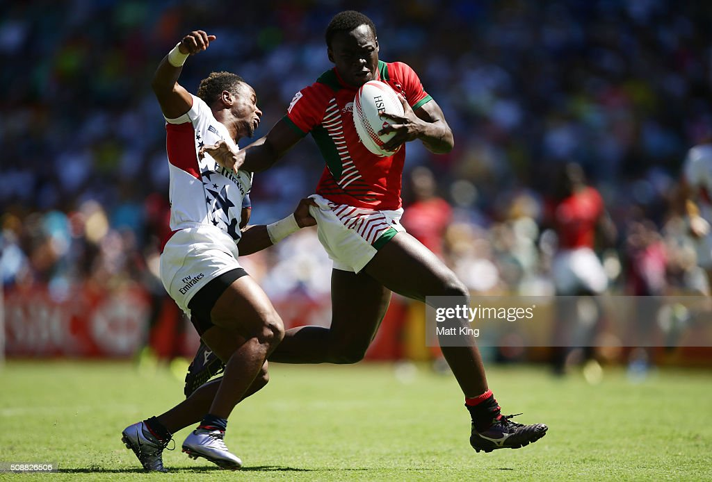 Billy Odhiambo of Kenya is tackled by <a gi-track='captionPersonalityLinkClicked' href=/galleries/search?phrase=Carlin+Isles&family=editorial&specificpeople=9850585 ng-click='$event.stopPropagation()'>Carlin Isles</a> of USA during the 2016 Sydney Sevens Plate Semi Final match between Kenya and USA at Allianz Stadium on February 7, 2016 in Sydney, Australia.