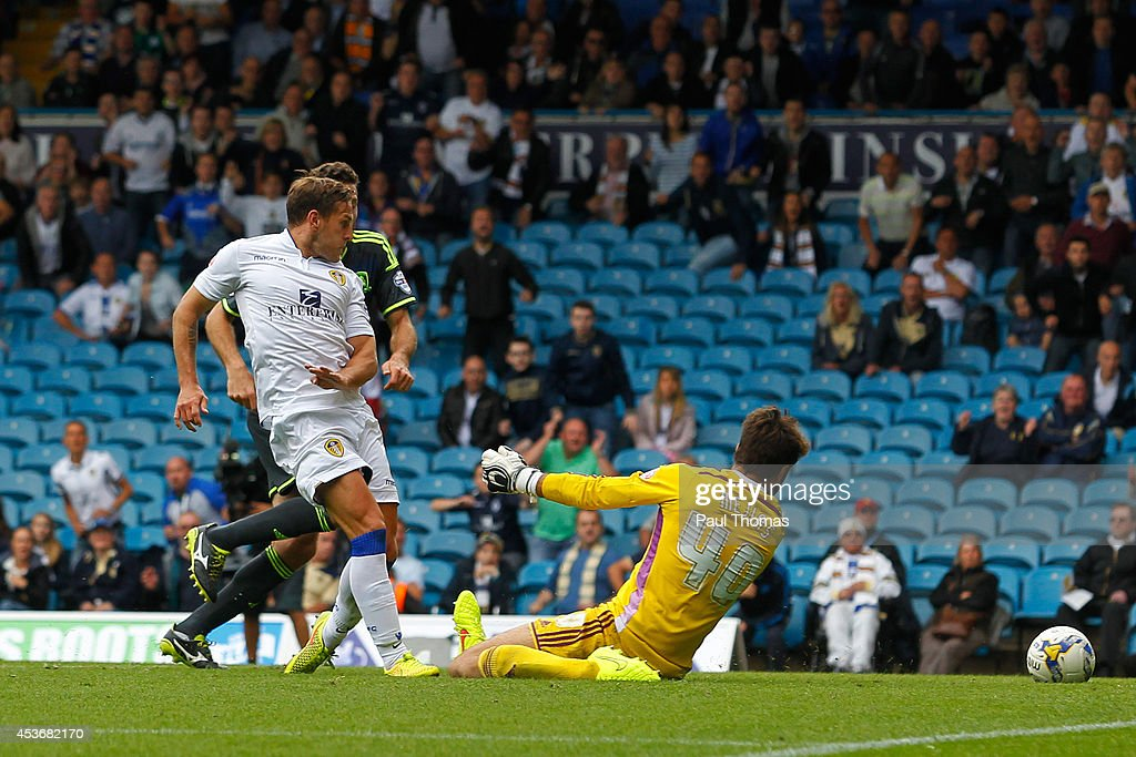 Billy Sharp of Leeds scores his sides' first goal during the Sky Bet Championship match between Leeds United and Middlesbrough at Elland Road on August 16, 2014 in Leeds, England.