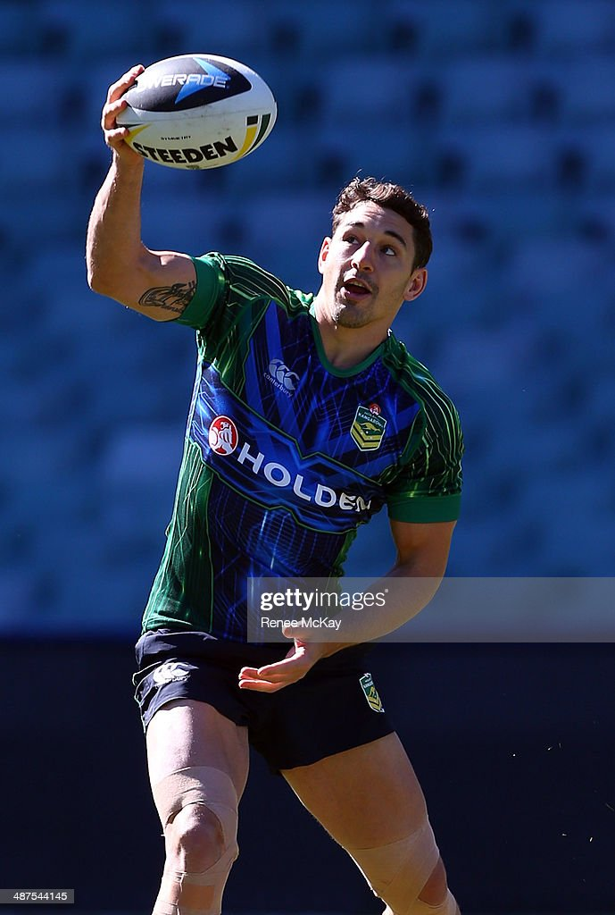 <a gi-track='captionPersonalityLinkClicked' href=/galleries/search?phrase=Billy+Slater&family=editorial&specificpeople=171206 ng-click='$event.stopPropagation()'>Billy Slater</a> catches the ball during an Australian Kangaroos Captain's Run at Allianz Stadium on May 1, 2014 in Sydney, Australia.