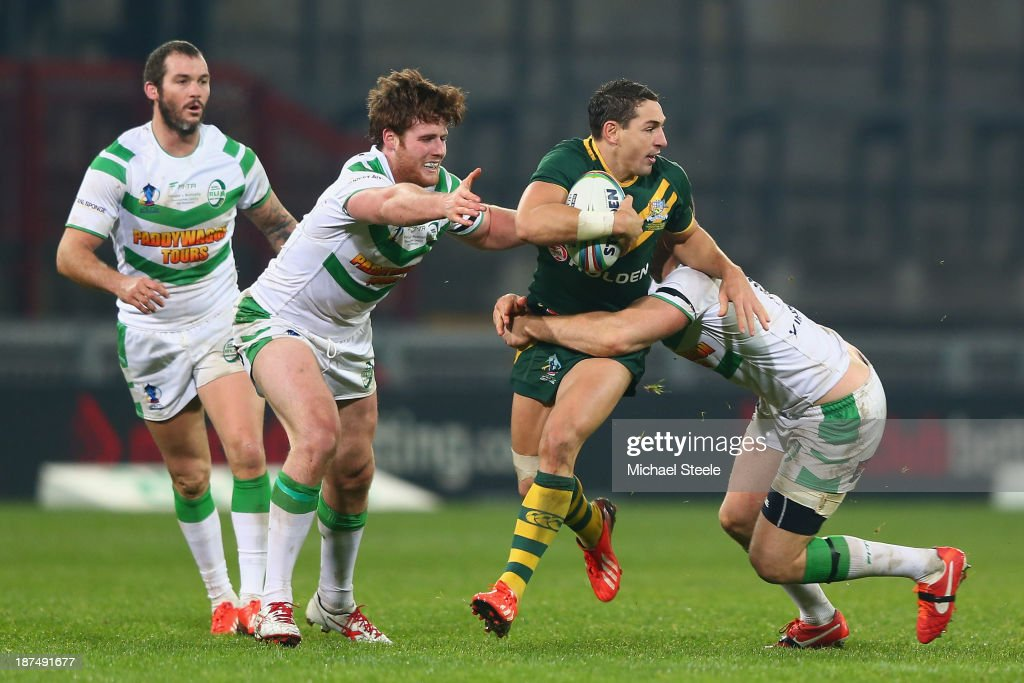<a gi-track='captionPersonalityLinkClicked' href=/galleries/search?phrase=Billy+Slater&family=editorial&specificpeople=171206 ng-click='$event.stopPropagation()'>Billy Slater</a> (2R) of Australia looks for support during the Rugby League World Cup Group A match between Australia and Ireland at Thomond Park on November 9, 2013 in Limerick, .