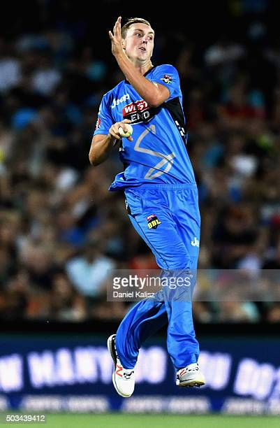 Billy Stanlake of the Adelaide Strikers bowls during the Big Bash League match between the Adelaide Strikers and Perth Scorchers at Adelaide Oval on...