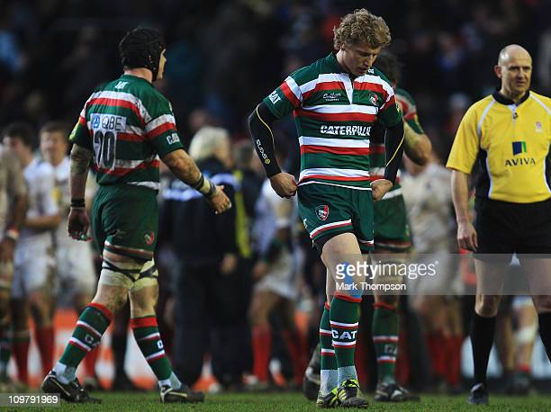 Billy Twelvetrees of Leicester Tigers walks of the field of play after missing a vital kick in the dying seconds of the game during the Aviva...