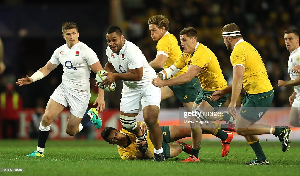 <a gi-track='captionPersonalityLinkClicked' href=/galleries/search?phrase=Billy+Vunipola&family=editorial&specificpeople=5771576 ng-click='$event.stopPropagation()'>Billy Vunipola</a> of England breaks with the ball during the International Test match between the Australian Wallabies and England at Allianz Stadium on June 25, 2016 in Sydney, Australia.