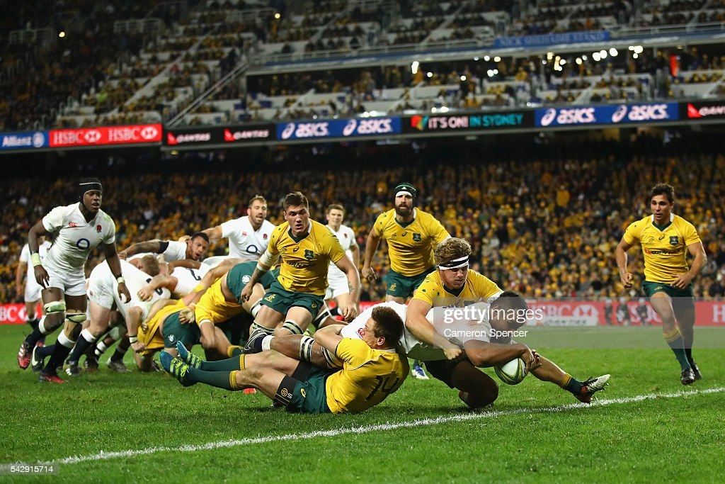 Teimana Harrison of England scores a try during the International Test match between the Australian Wallabies and England at Allianz Stadium on June 25, 2016 in Sydney, Australia.