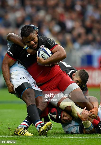 Billy Vunipola of Saracens makes a break during the European Rugby Champions Cup Final between Racing 92 and Saracens at Grand Stade de Lyon on May...