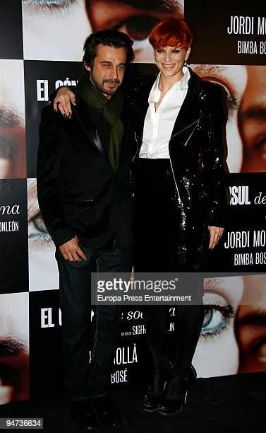 Bimba Bose and Jordi Molla attend the premiere of 'El Consul de Sodoma' on December 17 2009 in Madrid Spain