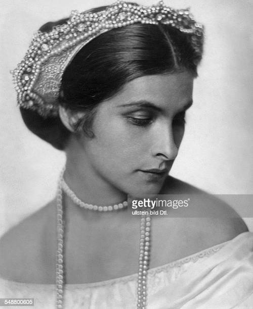 Binder Sybille Actress Austria *05011895 rolepicture as Empress 'Carlota of Mexico' in the play 'Juarez and Maximilian' by Franz Werfel 1925...