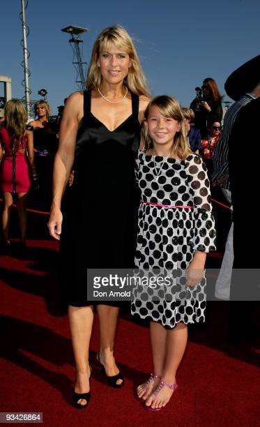 Bindi Irwin and her monther Terri Irwin arrive on the red carpet at the 2009 ARIA Awards at Acer Arena Sydney Olympic Park on November 26 2009 in...