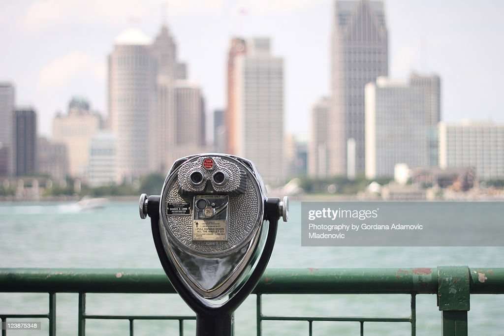 Binoculars horizontal view of Detroit