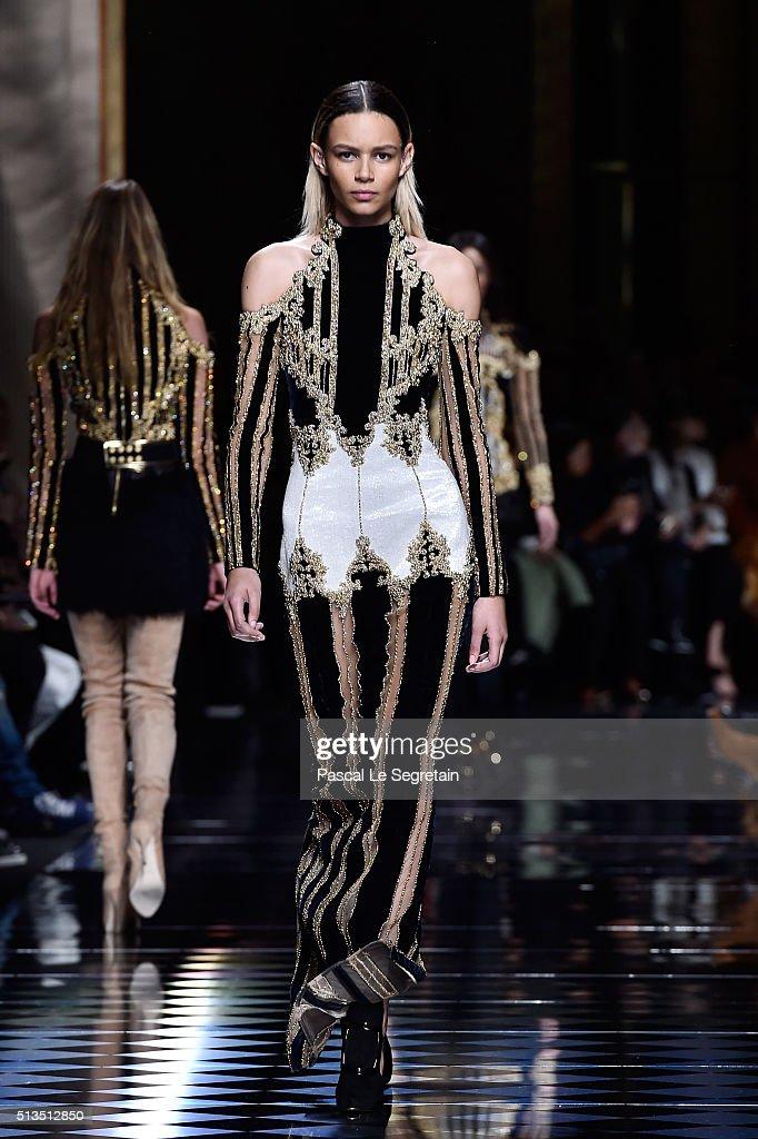 Binx Walton walks the runway during the Balmain show as part of the Paris Fashion Week Womenswear Fall/Winter 2016/2017 on March 3 2016 in Paris...