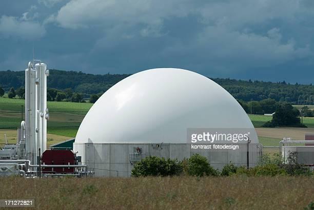 plant unter Biomasse Energie ein Nähern Gewitter, Bioenergie